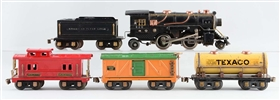LOT OF 5: AMERICAN FLYER PREWAR O GAUGE SET.