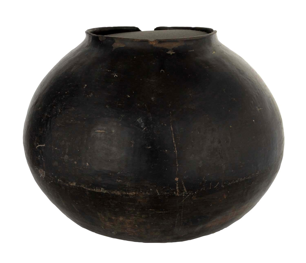 Large Santa Clara Black Vessel.