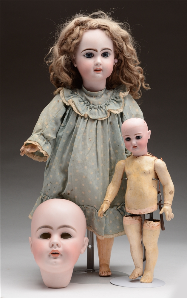 Assorted Doll Heads & Parts.
