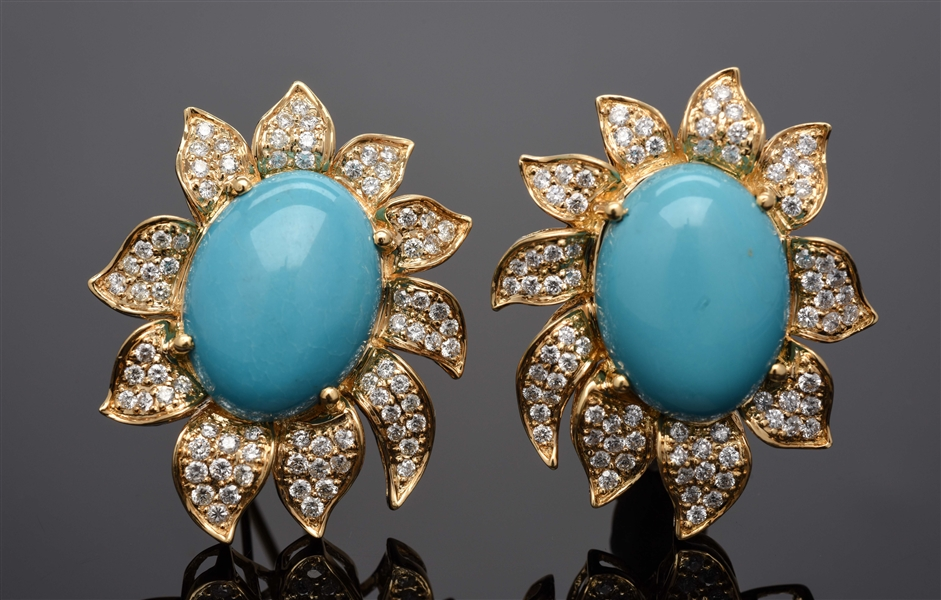 18K YELLOW GOLD TURQUOISE & DIAMOND EARRINGS.