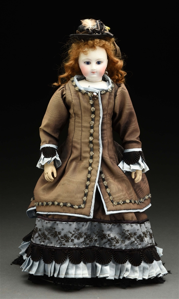 Nice Fashion Doll with Wooden Articulated Body.