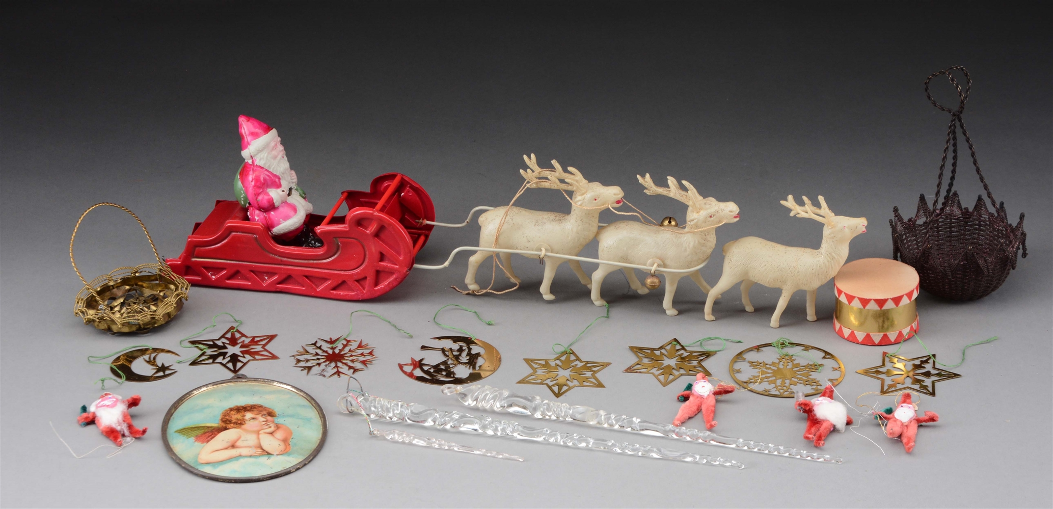 Lot of 19: Christmas Ornaments.