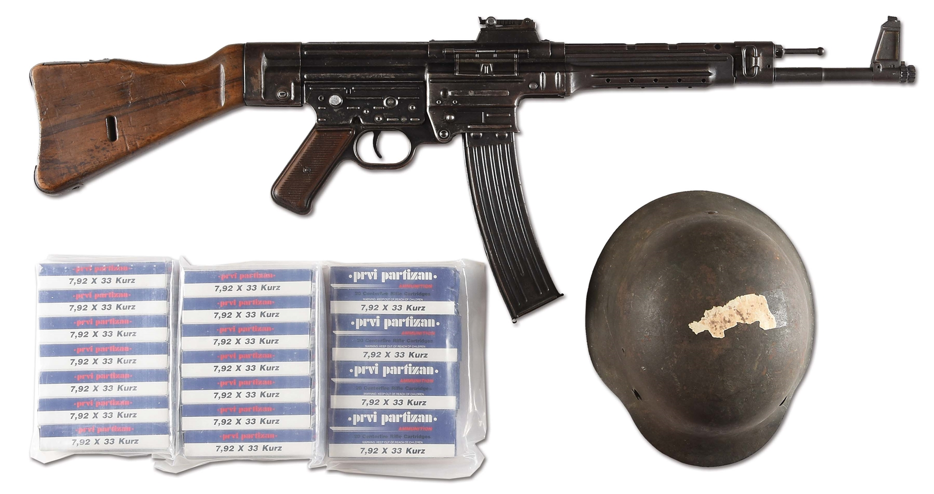 (N) HISTORIC GERMAN WW2 EARLY MP 43 MACHINE GUN WITH CAPTURE PROVENANCE & HELMET (CURIO & RELIC)