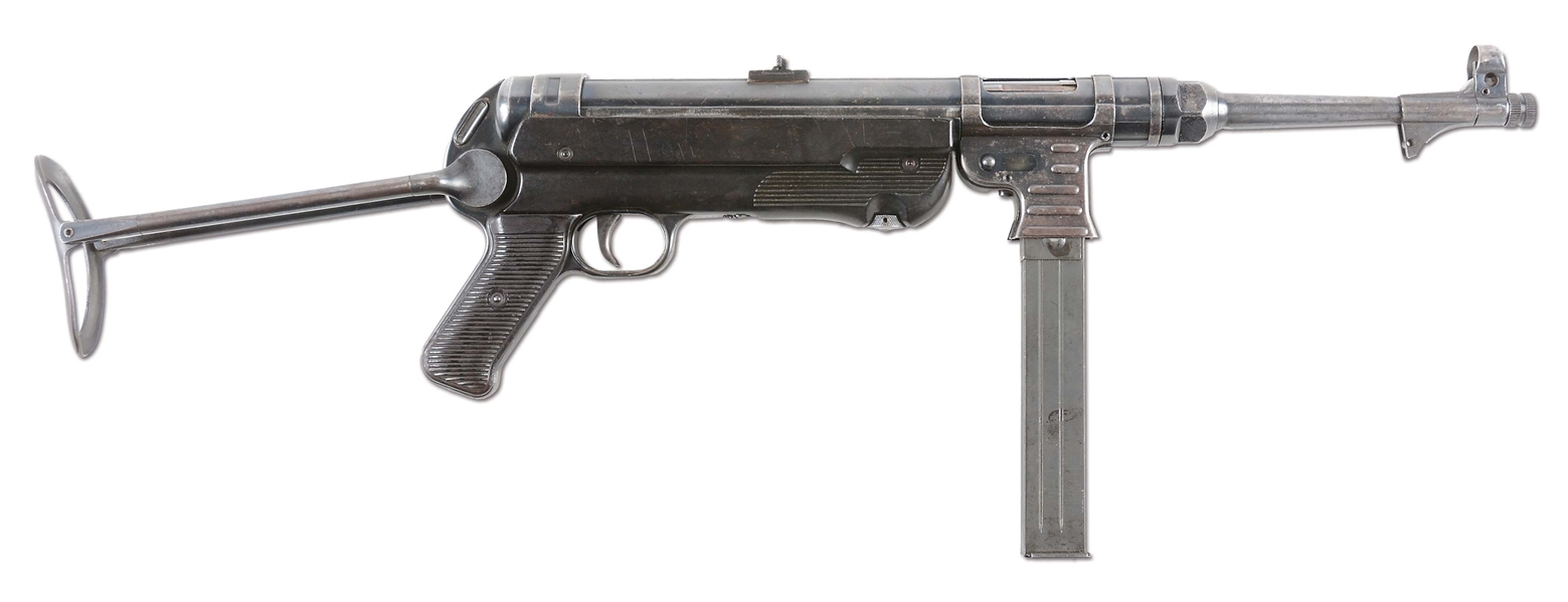 (N) ALL ORIGINAL HAENEL MANUFACTURED MATCHING NUMBERED GERMAN WORLD WAR II MP-40 MACHINE GUN (CURIO AND RELIC).