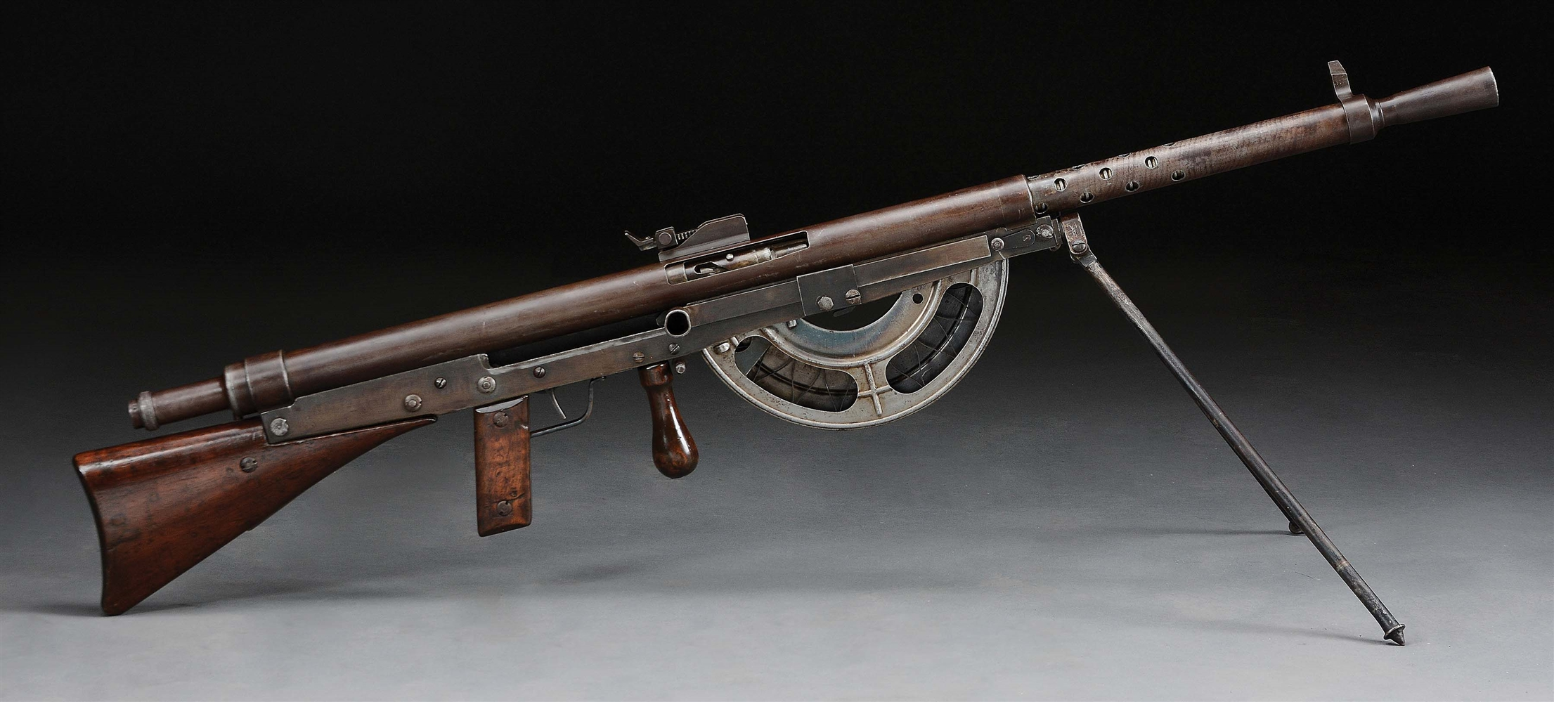 (N) FINE CONDITION SPECIMEN OF HISTORIC WW1 FRENCH CHAUCHAT MODEL 1915 MACHINE GUN (CURIO AND RELIC)