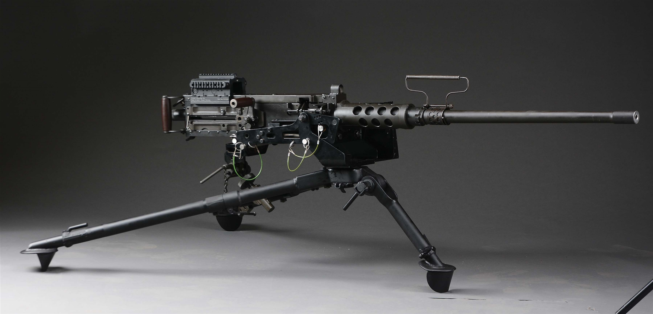 (N) FABULOUS SHOOTERS SET-UP E.R. MAPLES BROWNING M2 .50 CAL BMG MACHINE GUN ON RECIPROCATING TRIPOD WITH ACCESSORIES (FULLY TRANSFERABLE)