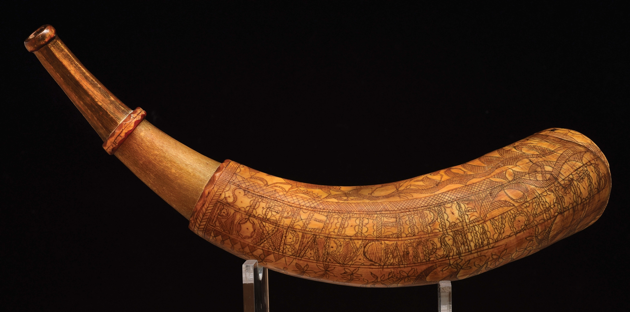 ENGRAVED FOLK ART POWDER HORN OF STEPHEN TEMPLE, DATED 1776.