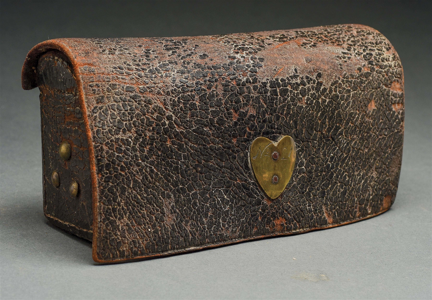 FINE AMERICAN MILITIA WAIST CARTRIDGE BOX FROM CHESTER COUNTY, PENNSYLVANIA.