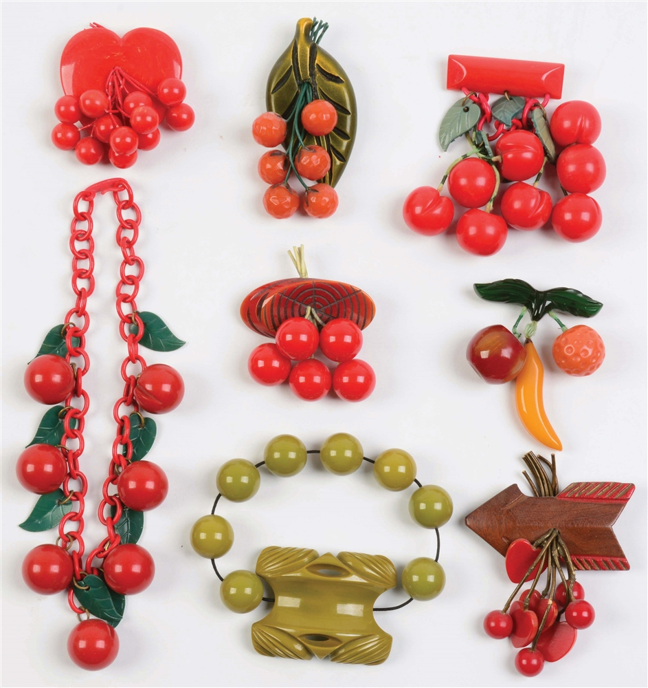 Lot of 8: Bakelite Pins & Necklace.