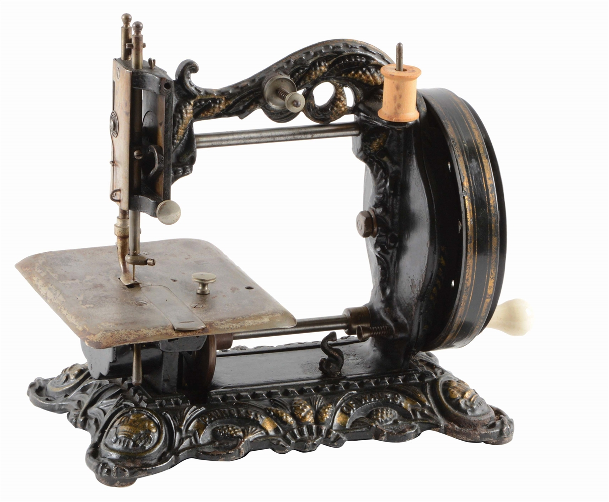 LATE 1890S SEWING MACHINE.