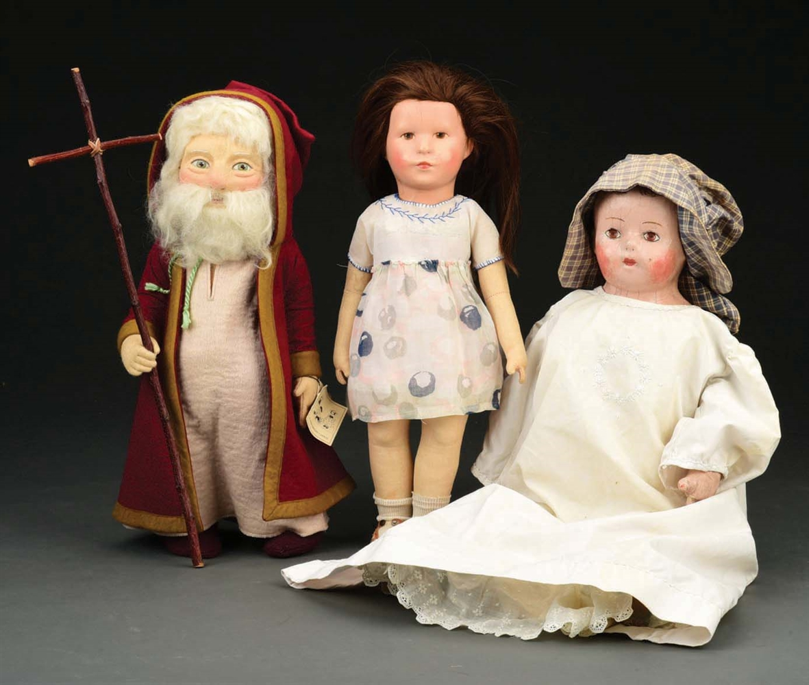 LOT OF 3 ASSORTED CLOTH DOLLS.