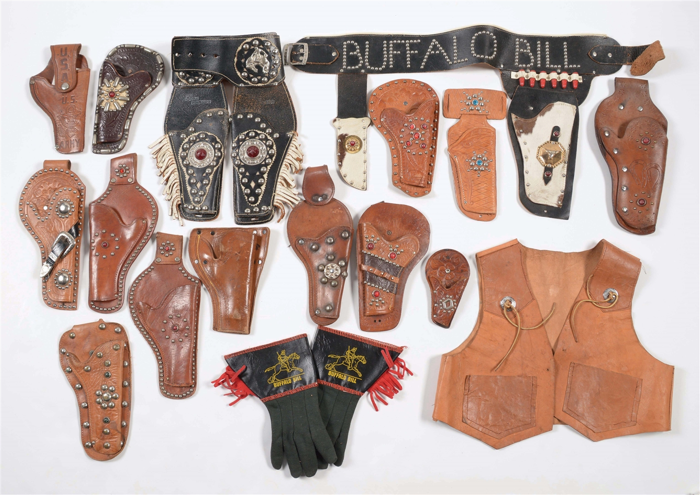 LOT OF APPROXIMATELY 25 VARIOUS SINGLE AND DOUBLE HOLSTER SETS.