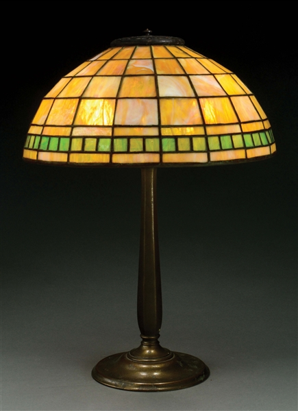 TIFFANY STUDIOS COLONIAL TABLE LAMP.