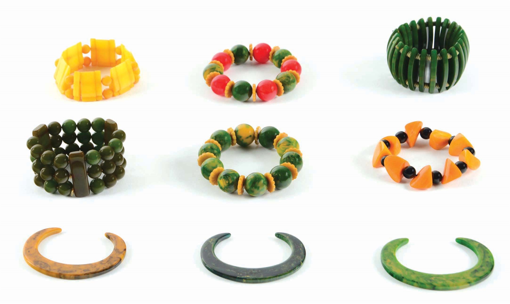 LOT OF 9: BAKELITE BRACELETS.