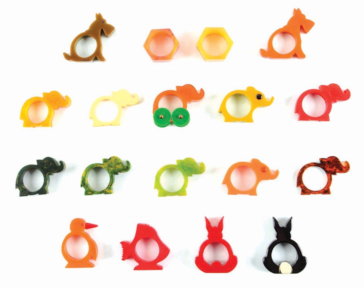 LOT OF 18: BAKELITE ANIMAL FIGURE NAPKIN RINGS.