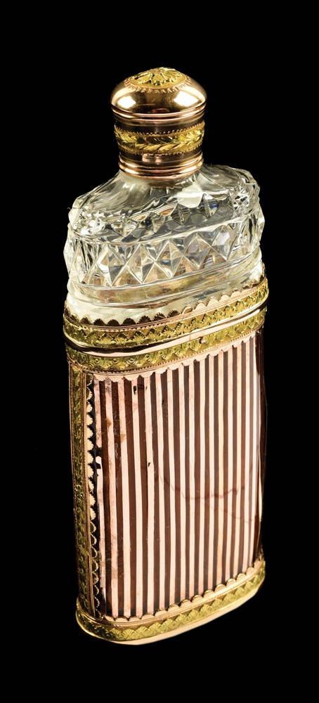 RARE 18K GOLD FRENCH ETUI AND SCENT BOTTLE.