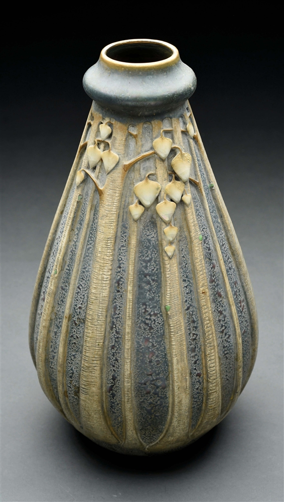 PAUL DACHSEL ARROWROOT LEAF VASE.