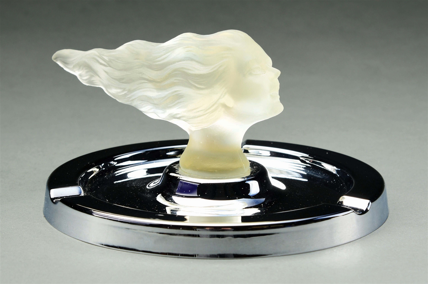 LALIQUE ASH TRAY WITH LADY HEAD DESIGN.