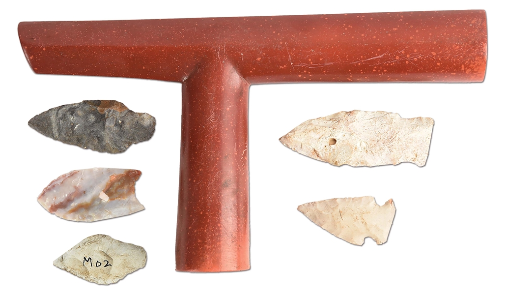 LOT OF 6: NATIVE AMERICAN CATLINITE PIPE WITH 5 PROJECTILE POINTS.