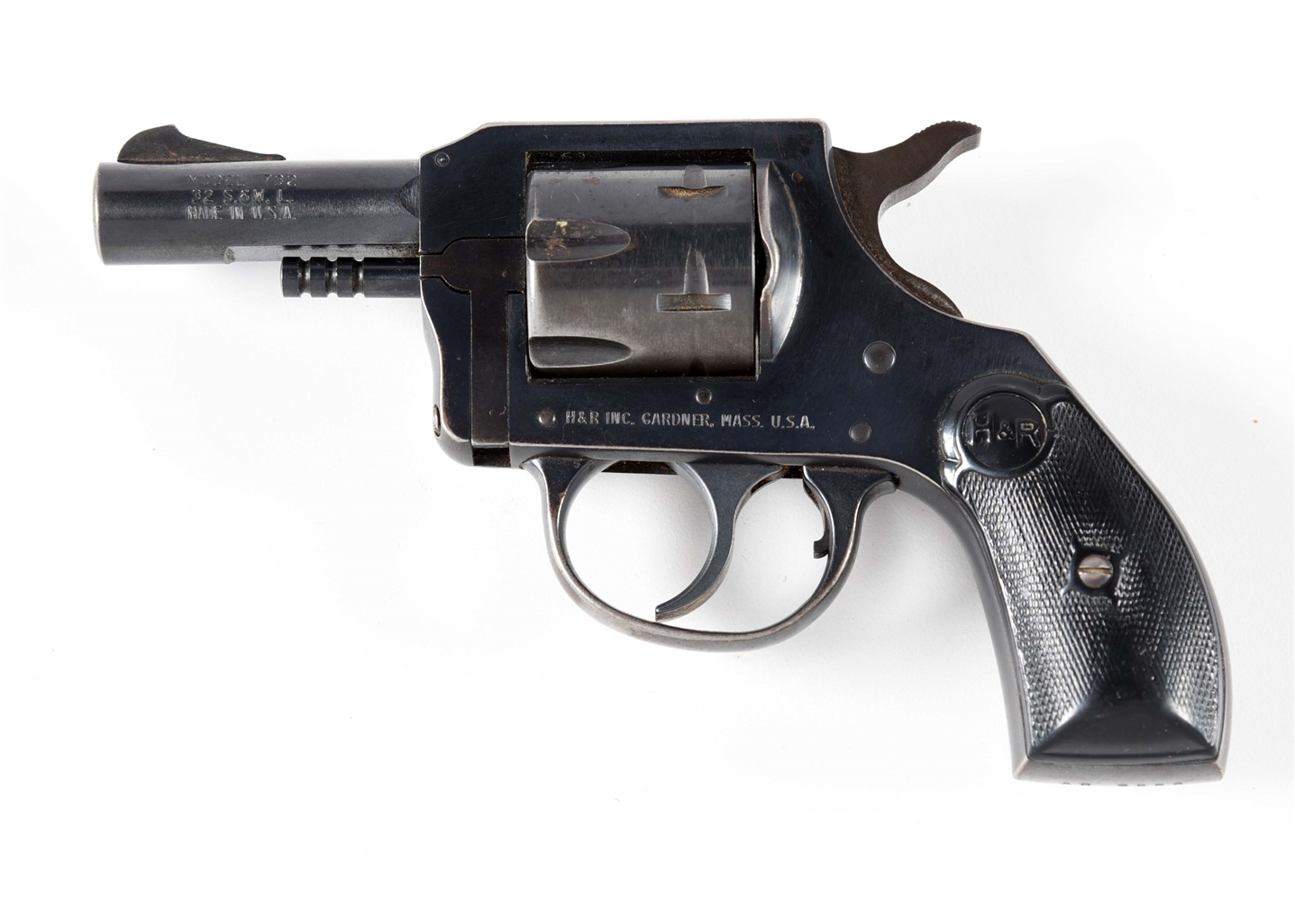 (M) HARRINGTON AND RICHARDSON MODEL 732 DOUBLE ACTION .32 REVOLVER.